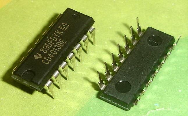 CD4013BE IC Dual D-Type Flip-Flop DIP-14