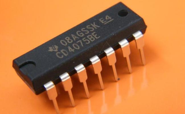 CD4075BE | IC 3-IN or Gate Triple DIP-14