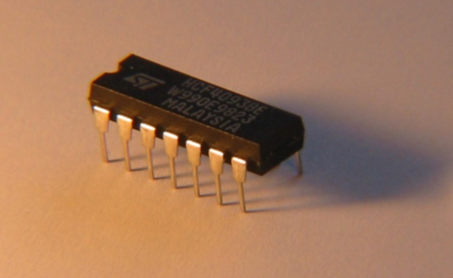 HCF4093BP | IC 2IN Nand Schmitt Trigg DIP-14