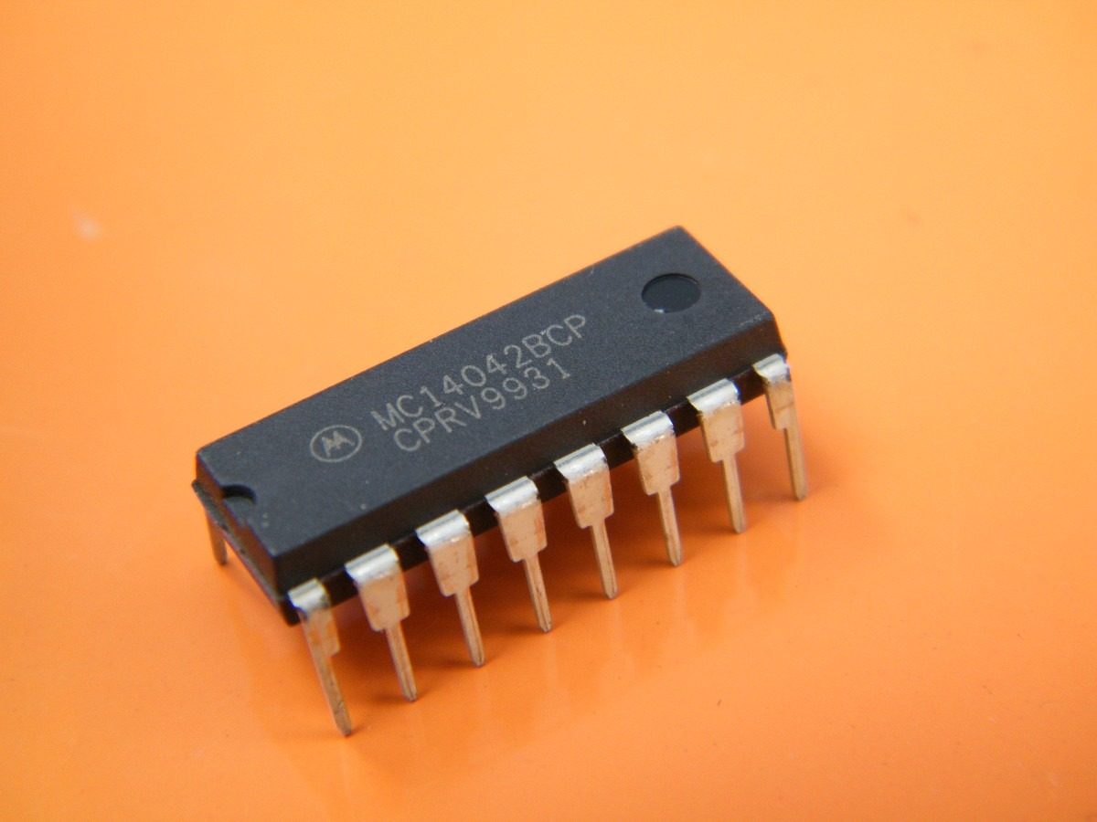 MC14042BCP IC Transp Latch Quad P/N DIP-16