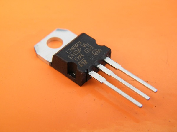 L7808CV IC Regulador +8V 1.5A TO220