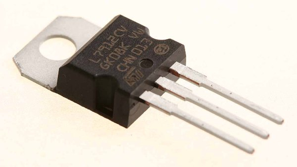 L7912CV IC Regulador -12V 1.5A TO220